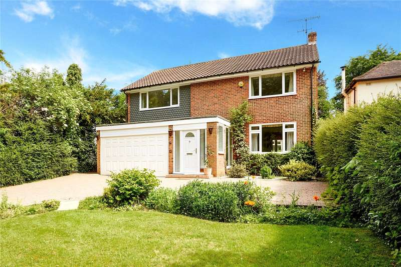 4 Bedrooms Detached House for sale in Harestone Valley Road, Caterham, Surrey, CR3