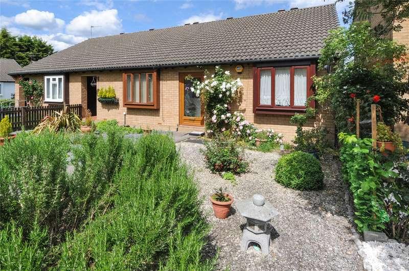 2 Bedrooms Semi Detached House for sale in Cobb Close, Datchet, Berkshire, SL3