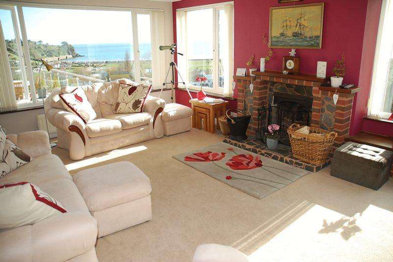 4 Bedrooms Detached House for sale in Clennon Park, Paignton