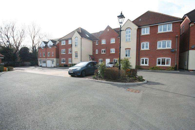 1 Bedroom Flat for sale in Staniland Court, Abingdon