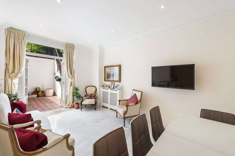 2 Bedrooms Flat for sale in Lower Sloane Street, Chelsea, London, SW1W