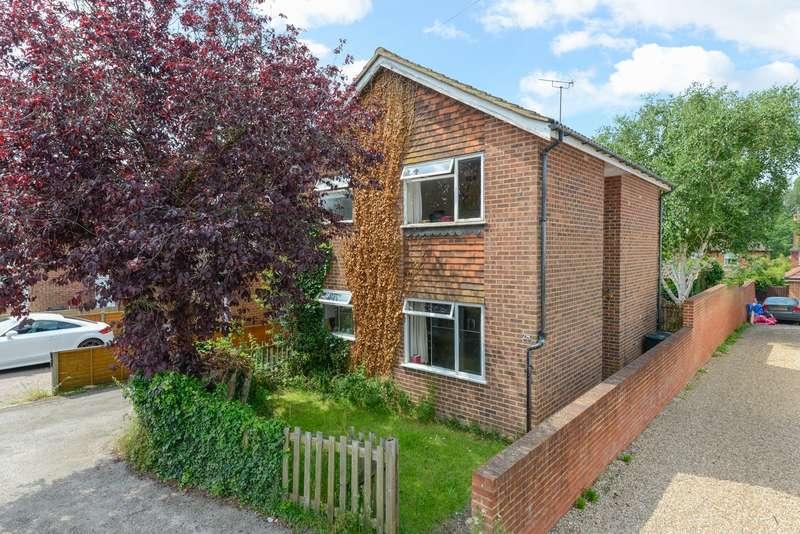 3 Bedrooms Detached House for sale in Burton Road, Kennington, Ashford, TN24