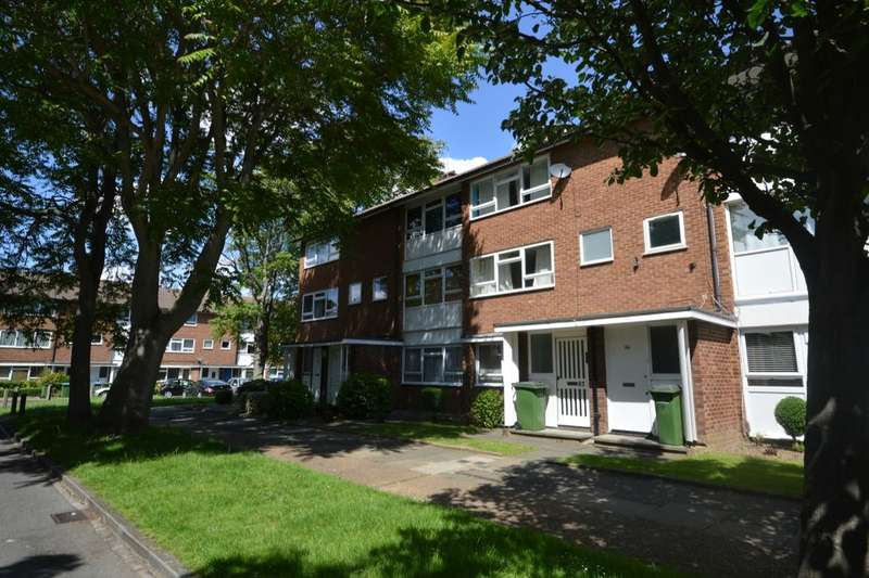 2 Bedrooms Flat for sale in Courtlands Avenue, London, SE12