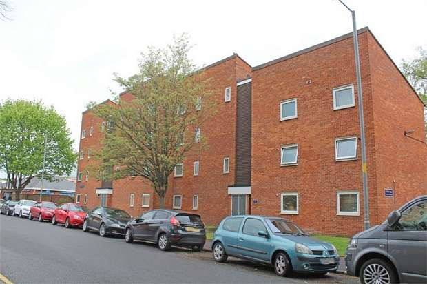2 Bedrooms Flat for sale in Vesta Tilley Court, Worcester