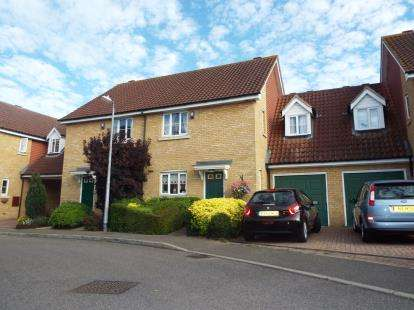 3 Bedrooms Semi Detached House for sale in Rochford, Essex