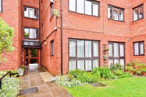 2 Bedrooms Flat for sale in Fordwych Road, London NW2