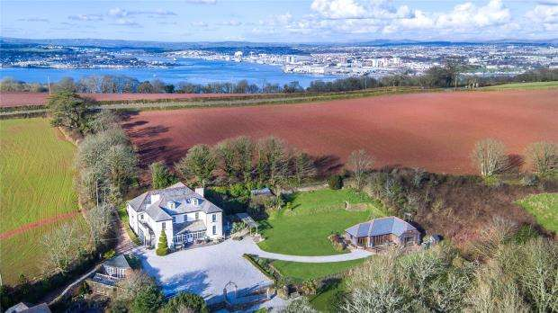 7 Bedrooms Detached House for sale in Torpoint, Cornwall