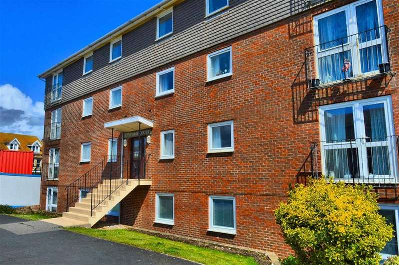 2 Bedrooms Flat for sale in Rayford Court, Seaford, East Sussex