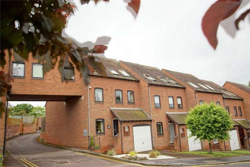 3 Bedrooms End Of Terrace House for sale in Oken Court, Commainge Close, Warwick