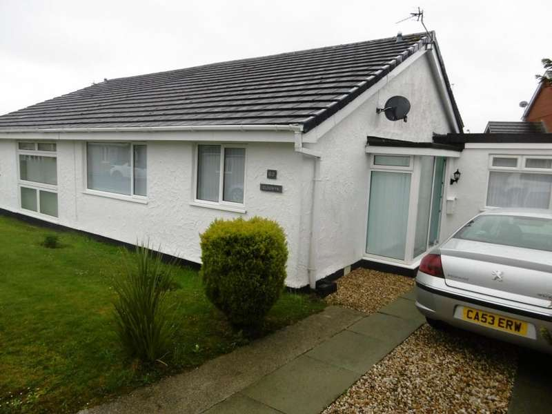 2 Bedrooms Semi Detached Bungalow for sale in Perth Y Paen, Llangefni, North Wales
