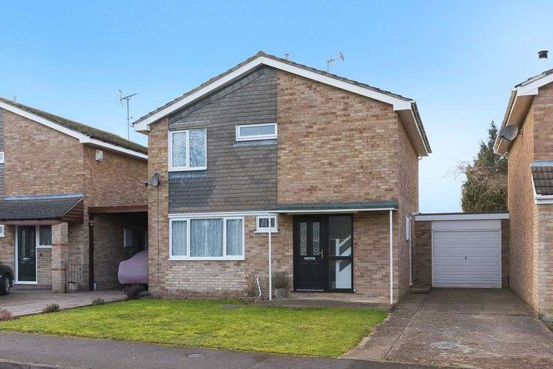 3 Bedrooms Property for sale in Rosebay Crescent, Grove, Wantage