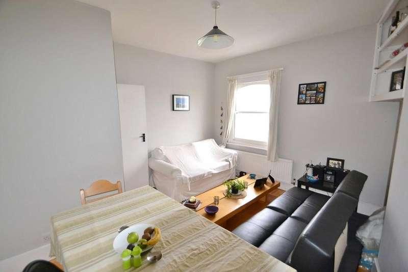2 Bedrooms Flat for sale in Brecknock Road, Tufnell Park, London, N19