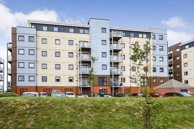 2 Bedrooms Flat for sale in Standen House, Groombridge Avenue, Eastbourne, BN22