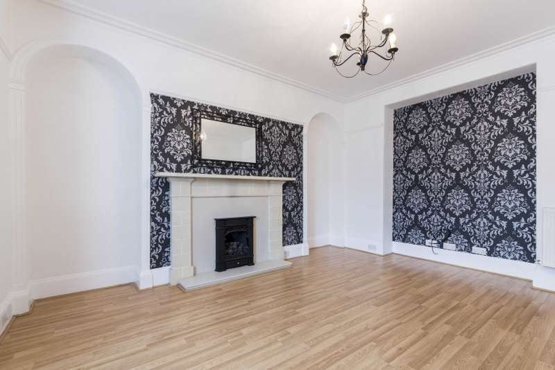 5 Bedrooms Terraced House for sale in Boyndie Street, Banff, Aberdeenshire, AB45 1DY