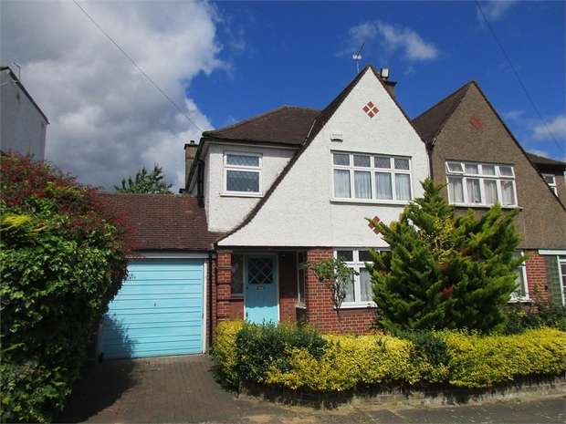3 Bedrooms Semi Detached House for sale in Rydal Gardens, WEMBLEY