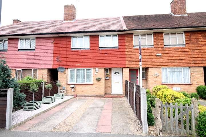 3 Bedrooms Terraced House for sale in Denham Road, Feltham, TW14