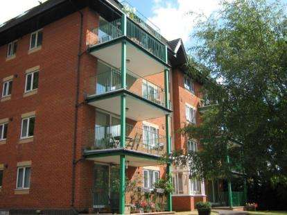 2 Bedrooms Flat for sale in 4 Cranborne Road, Bournemouth, Dorset