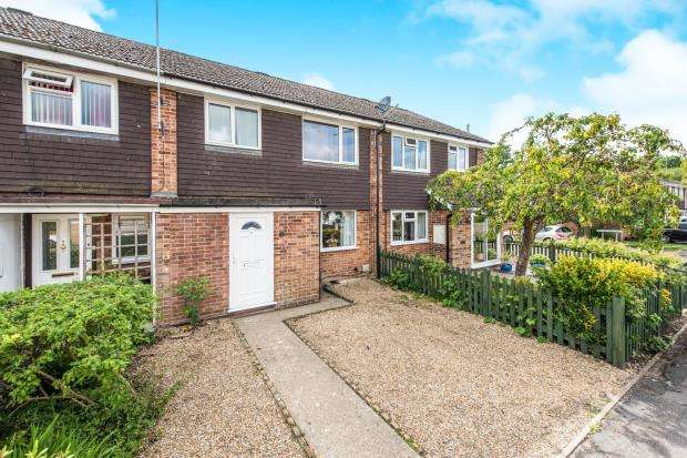 3 Bedrooms Terraced House for sale in Tongham, Farnham, Surrey