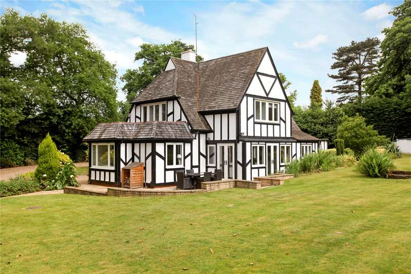 5 Bedrooms Detached House for sale in Woodpecker Way, Woking, Surrey, GU22