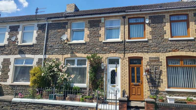 3 Bedrooms Terraced House for sale in Garden Street, Llanbradach, Caerphilly