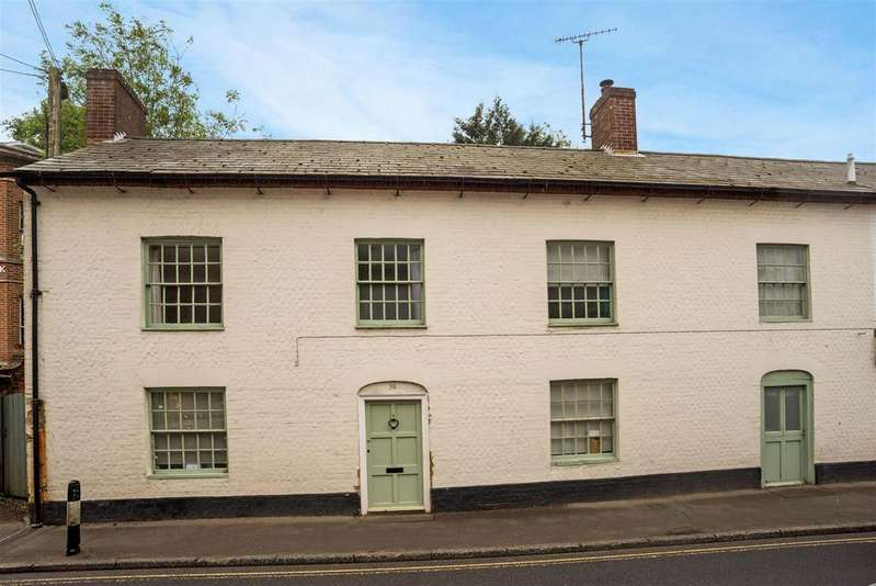 4 Bedrooms Semi Detached House for sale in High Street, Pewsey