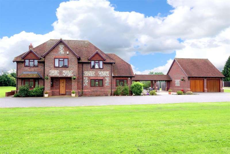 4 Bedrooms Detached House for sale in Rose Hill, Burnham, SL1