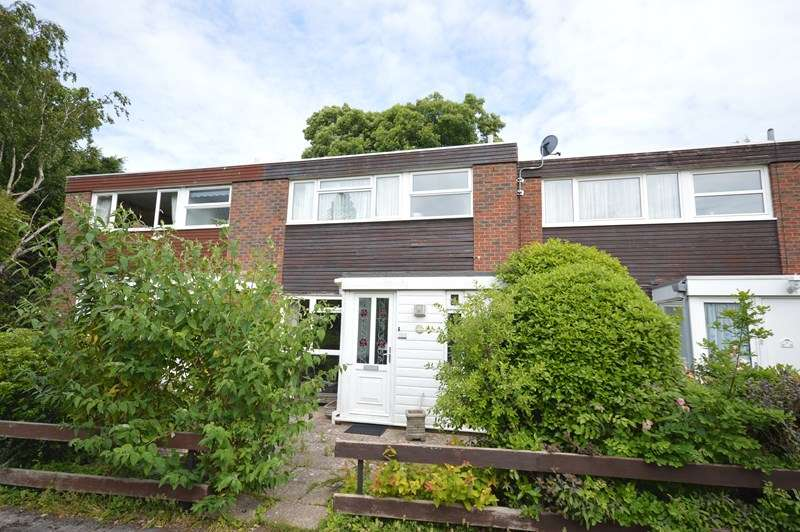 3 Bedrooms Terraced House for sale in Tylers Close, Lymington