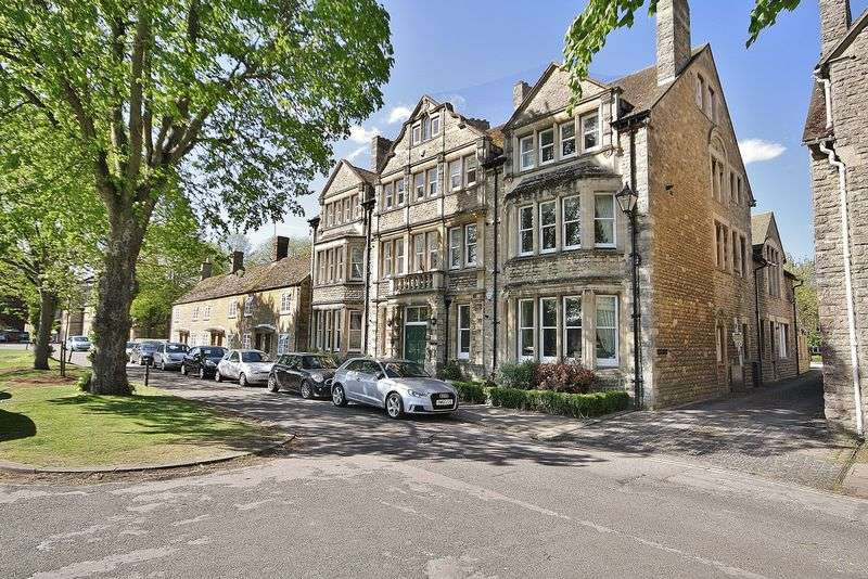 3 Bedrooms Property for sale in Charter Place, Witney