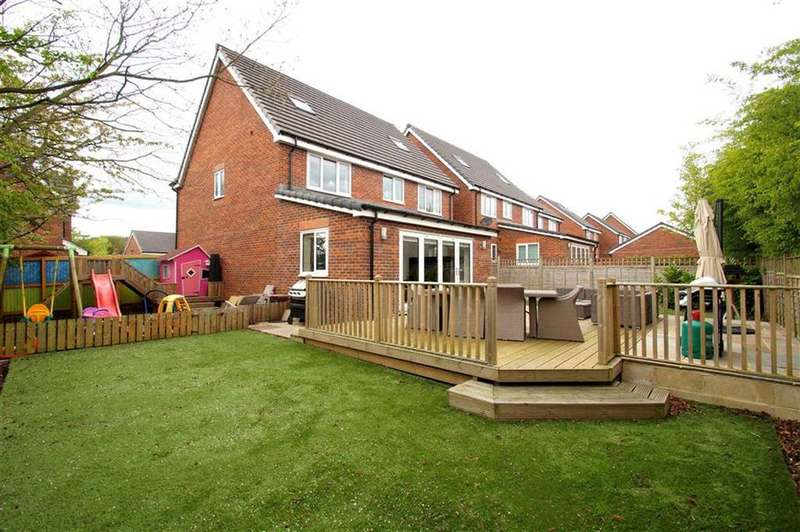 6 Bedrooms Detached House for sale in Barrowby Gardens, Leeds