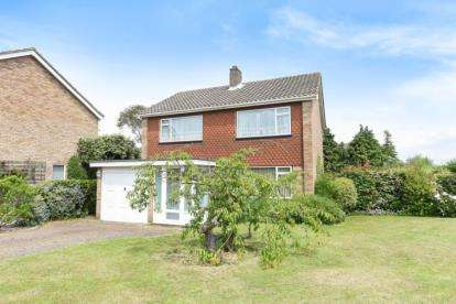 3 Bedrooms Detached House for sale in Fairbank Avenue, Orpington