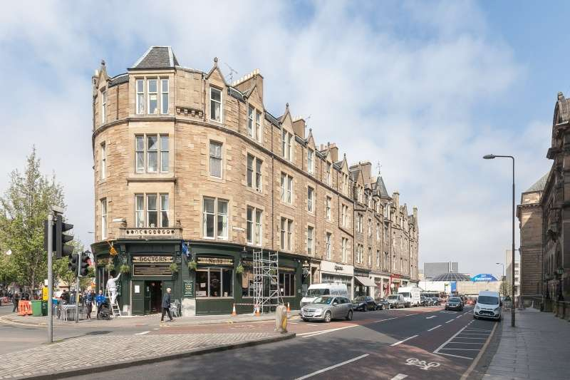 2 Bedrooms Flat for sale in Teviot Place, Edinburgh, EH1 2QZ