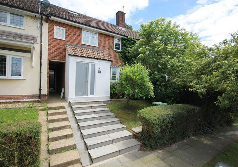 4 Bedrooms House for sale in Luxurious 4 bed family home in sought after Northridge Way, HP1