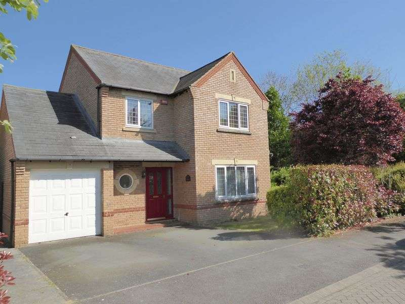 4 Bedrooms Property for sale in Lily Close, Bicester