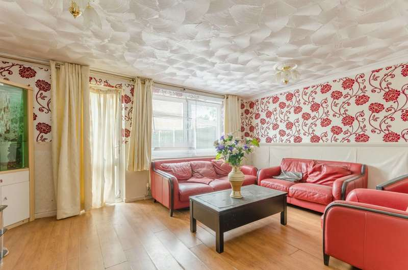 3 Bedrooms House for sale in Sark Walk, Royal Docks, E16