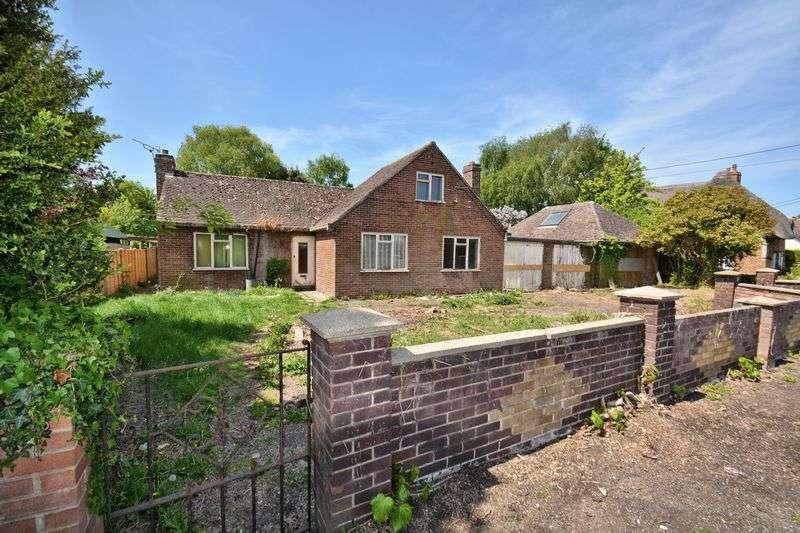 3 Bedrooms Property for sale in Blewbury Road, East Hagbourne, Didcot