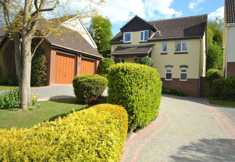 4 Bedrooms Detached House for sale in Farriers Drive, Billericay, Essex, CM12