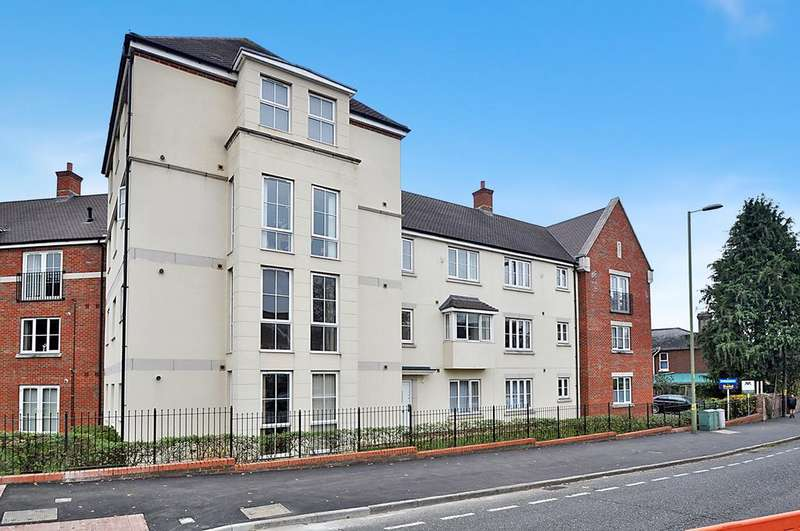 2 Bedrooms Flat for sale in Rostron Close, West End, Southampton, Hampshire, SO18 3AF