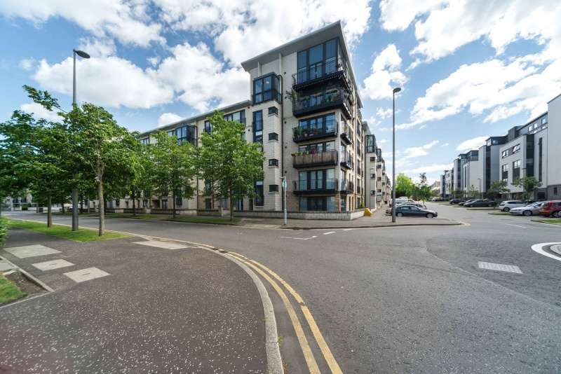 1 Bedroom Flat for sale in Waterfront Park, Granton, Edinburgh, EH5 1BA