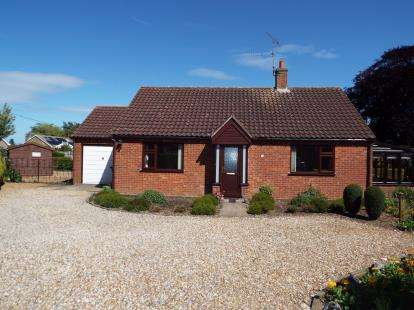 3 Bedrooms Bungalow for sale in Fakenham, Norfolk