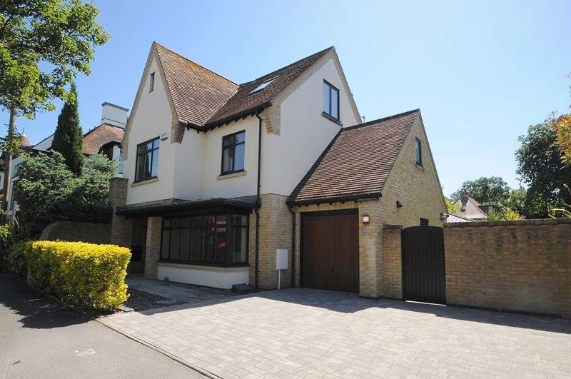 4 Bedrooms Detached House for sale in Wyndham Road, Lower Parkstone, Poole