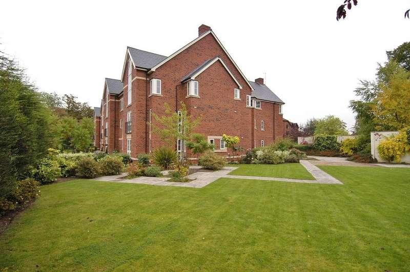 2 Bedrooms Apartment Flat for sale in Sycamore Court, Heaton Moor Road, Heaton Moor