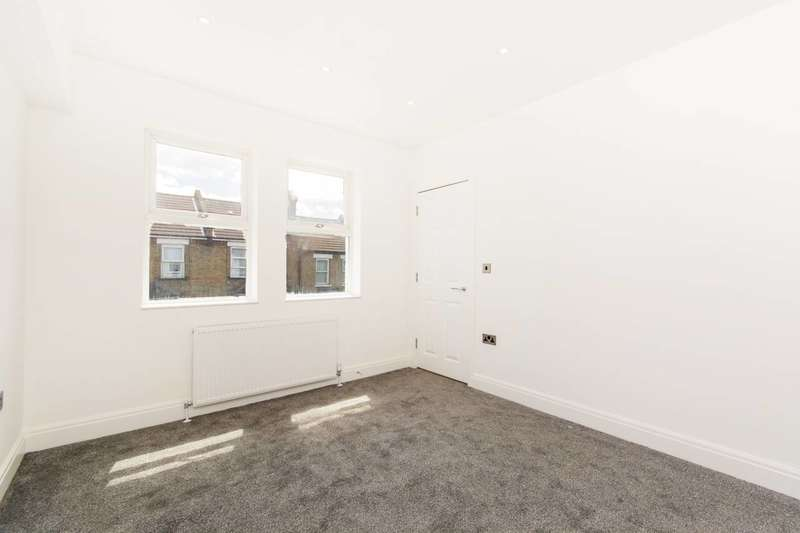 2 Bedrooms Flat for sale in Sumner Road, Croydon, CR0