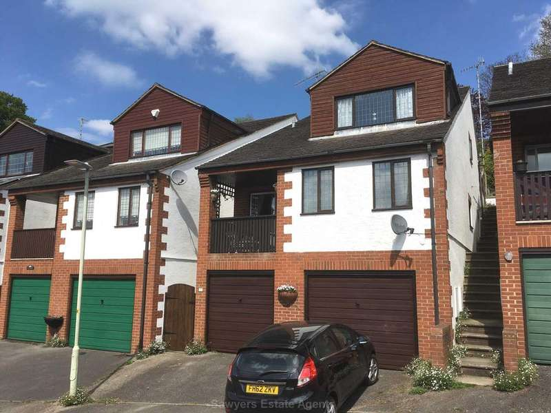 4 Bedrooms Detached House for sale in Castle Rise, Stroud