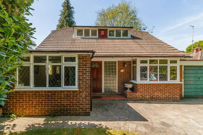 2 Bedrooms Detached Bungalow for sale in Pyrford