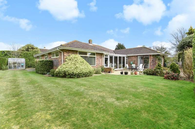 4 Bedrooms Detached Bungalow for sale in Meadow Lane, West Wittering, PO20