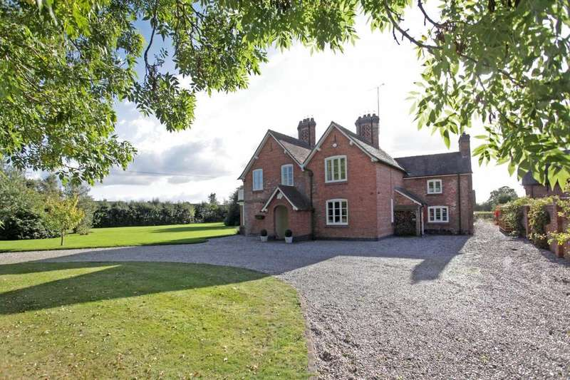 5 Bedrooms House for sale in 5 bedroom House Detached in No Mans Heath