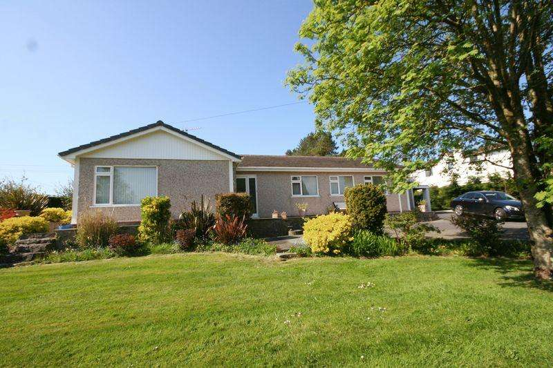 4 Bedrooms Detached Bungalow for sale in Talwrn, Anglesey