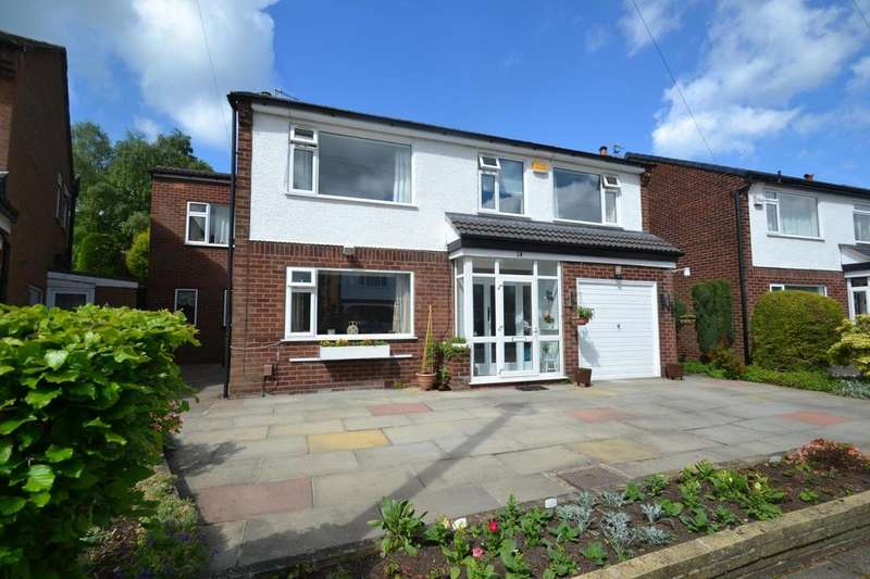 4 Bedrooms Detached House for sale in Reading Drive, Sale