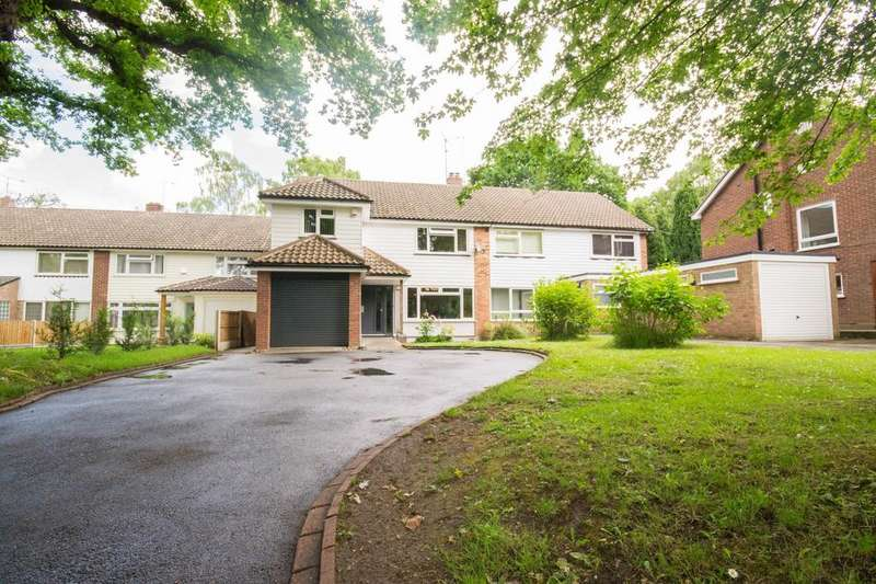 5 Bedrooms Semi Detached House for sale in Hall Green Lane, Hutton, Brentwood, Essex, CM13