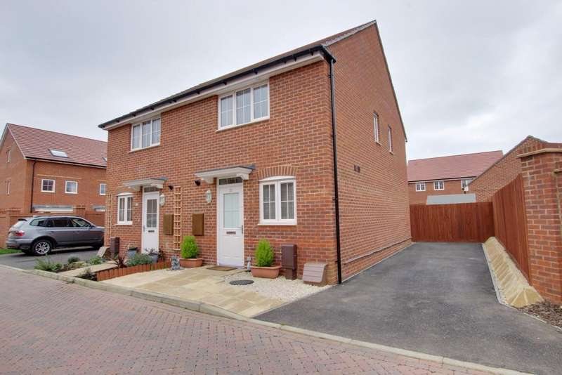 2 Bedrooms Semi Detached House for sale in Denvilles